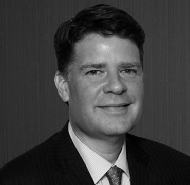 Ethan J Brown is a complex business litigation attorney in Los Angeles